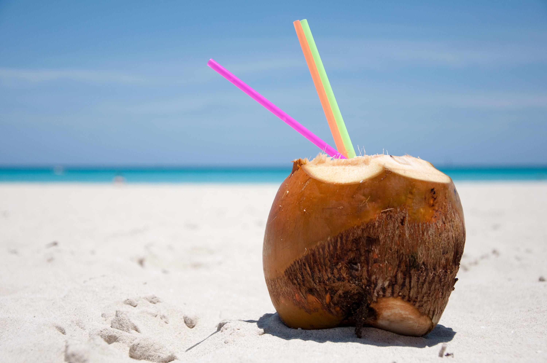 Água de coco contribui para saúde dos dentes