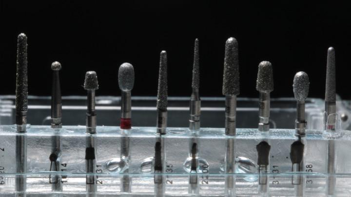 Kit 7620 (KG Sorensen) para preparos de restaurações cerâmicas em dentes anteriores e posteriores.