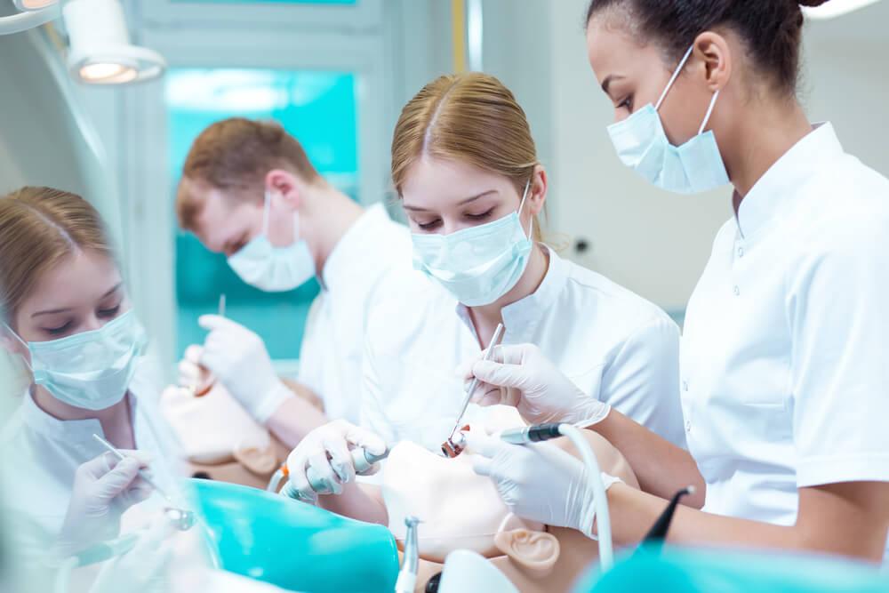 material para odontologia como escolher especializacao
