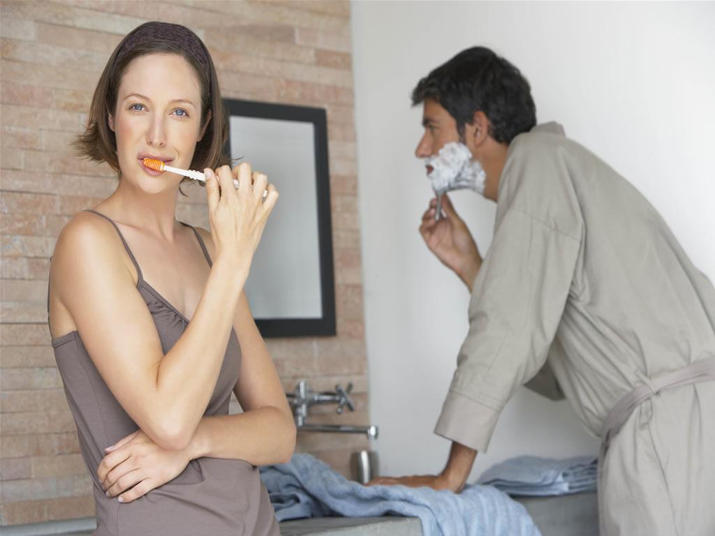 emprestar a escova de dentes