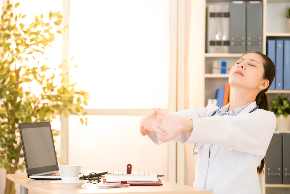 7 tipos de alongamento para dentistas que evitam dores