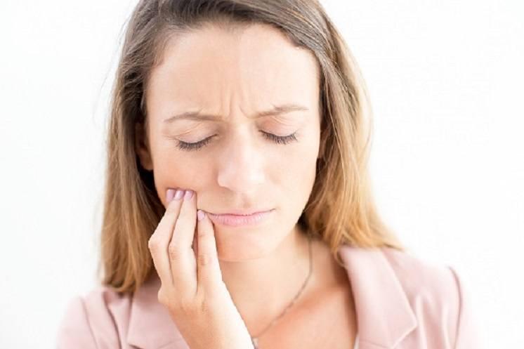 A Síndrome da Boca Ardente afeta principalmente mulheres. Designed by katemangostar / Freepik