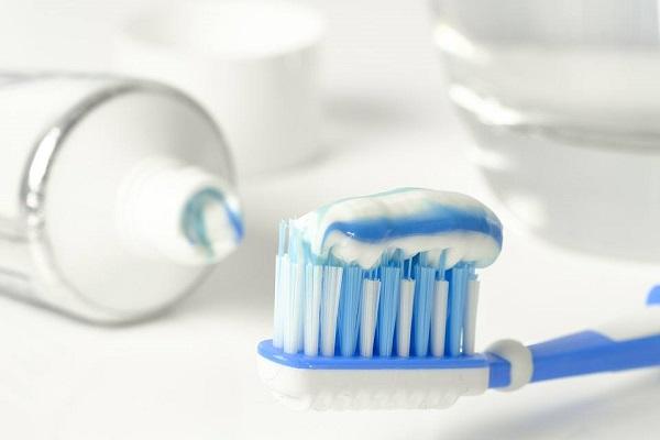 Clareamento dental com moldeira : 5 cuidados para seu paciente