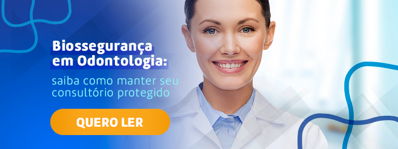Banner com mulher branca sorrindo. Botão laranja para baixar ebook.